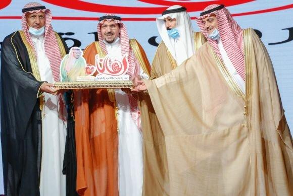 صور لزيارة الأمير الدكتور فيصل بن مشعل لليوم الذهبي لمهرجان رمان القصيم بنسخته الرابعة بمركز الشيحية