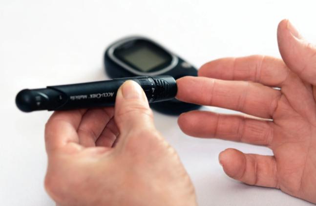 ما هي أعراض مرض السكري من النوع الثاني ؟