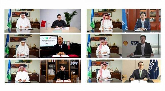 أرامكو السعودية توقع 6 مذكرات تفاهم مع شركات عالمية