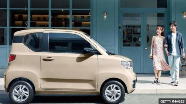 سيارة صينية كهربائية تتنافس مع تسلا بعدد المبيعات
