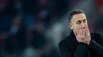 نادي كولن الألماني ينوي إقالة المدرب بييرلزر