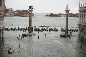 """البندقية تغرق للمرة الثانية خلال أسبوع و قادة يطالبون بالتسريع بتفعيل قانون""""  الفيضانات """""""