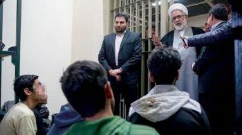 أكثر من نصف موظفي الدولة في إيران يمكثون في المنازل و 189500 شخص في السجن