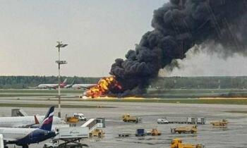 """قائد طائرة الركاب الروسية """" سوخوي سوبرجت 100 """" يصف كيف تحطمت الطائرة و يقول أن عطل تسبب بذلك"""