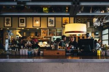 أمريكا : الشركات الكبرى تتقدم بمقترح لدعم المطاعم و الكافيهات الصغيرة