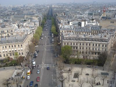 الحالات الجديدة في فرنسا تسجل رقمًا قياسيًا في 24 ساعة