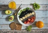 """تقترح دراسة جديدة تناول الأفوكادو يوميًا من أجل أمعاء """"سليمة """""""