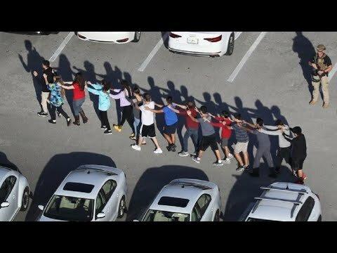 شاب امريكي يقتل 17 طالبا ويصيب العشرات
